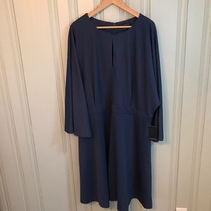 NWT Eloquii plus dress keyhole size 24 navy